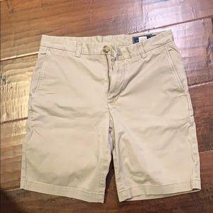 Khaki vineyard vine shorts. Size 31